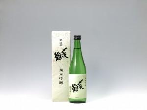 〆張鶴純米吟醸越淡麗720
